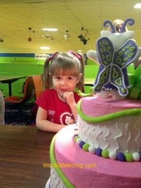 #87- Brooklynn checks out her Hello Kitty Cake