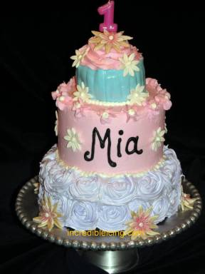 Princess Mia's Pretty Cake