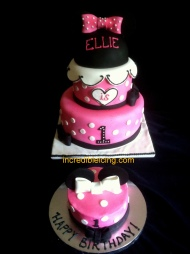 Pretty Minnie and Smash Cake